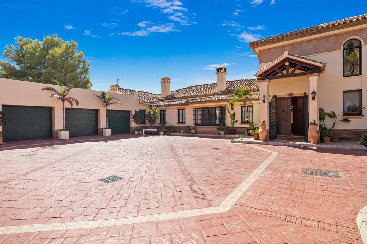 House in Benahavís R2801810 4