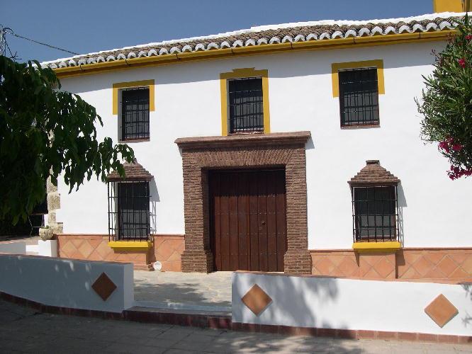 Villa 6 Dormitorios en Venta Ronda