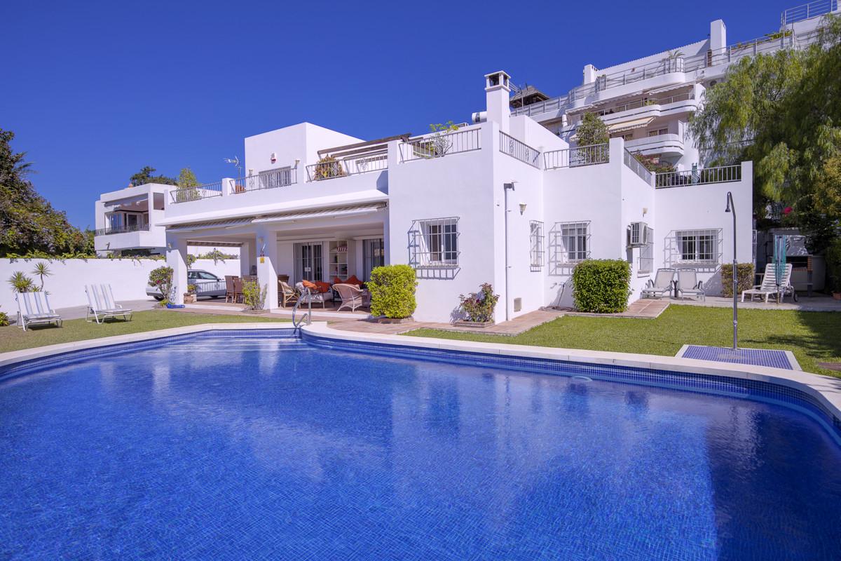 Detached Villa for sale in Guadalmina Alta R3711503