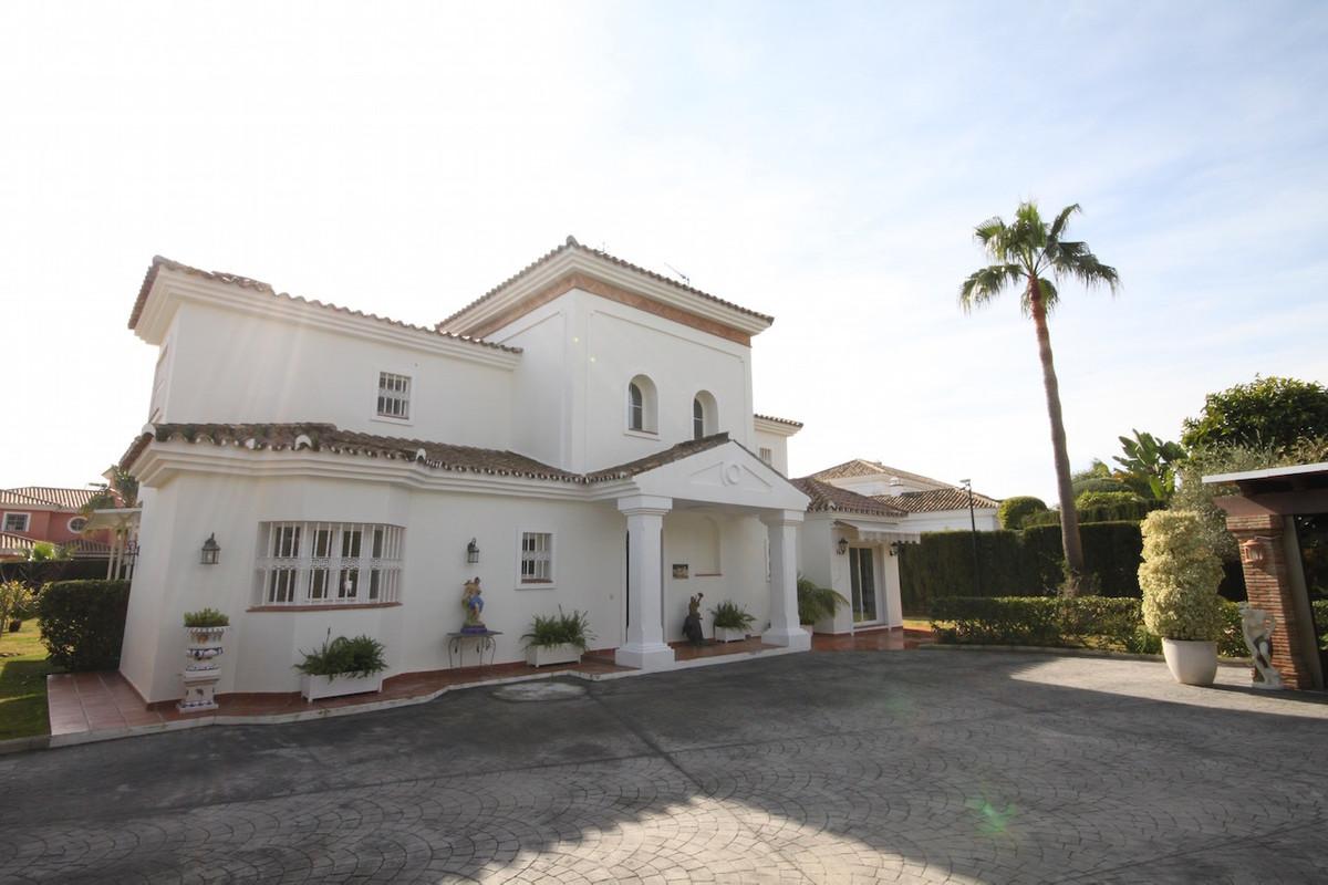 Fristående villa i Guadalmina Baja R2844098