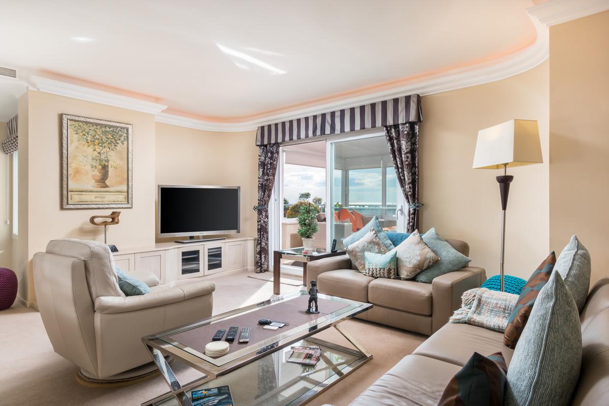 Located in El Faisan in the ever popular Guadalmina Alta area, this apartment has been fully refurbi,Spain