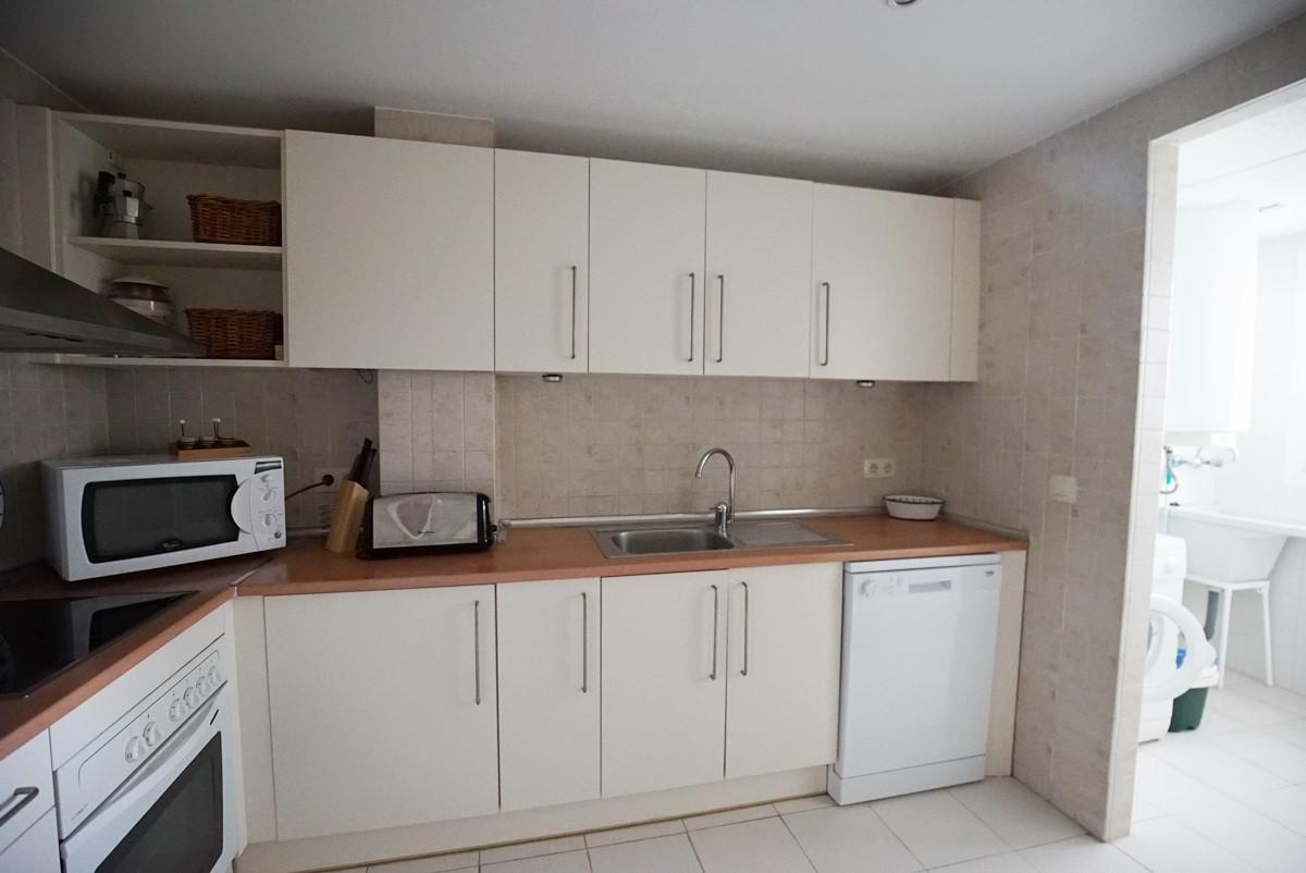 Apartamento con 2 Dormitorios en Venta Casares Playa