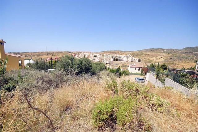 Plot for sale in Valle Romano