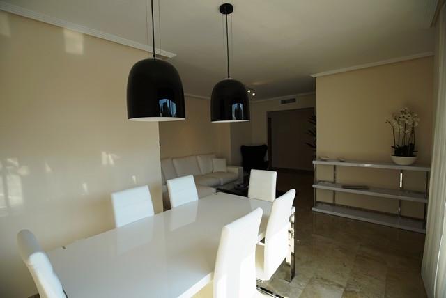 Apartamento con 2 Dormitorios en Venta Selwo