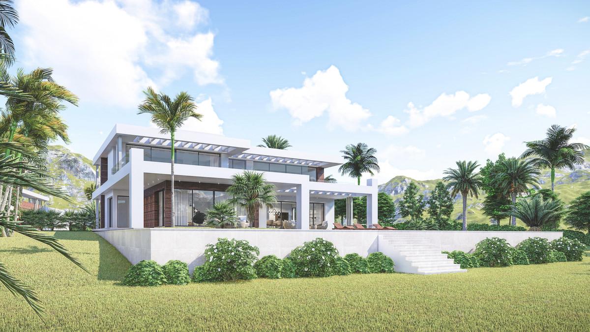 Detached Villa for sale in Marbella R3660158