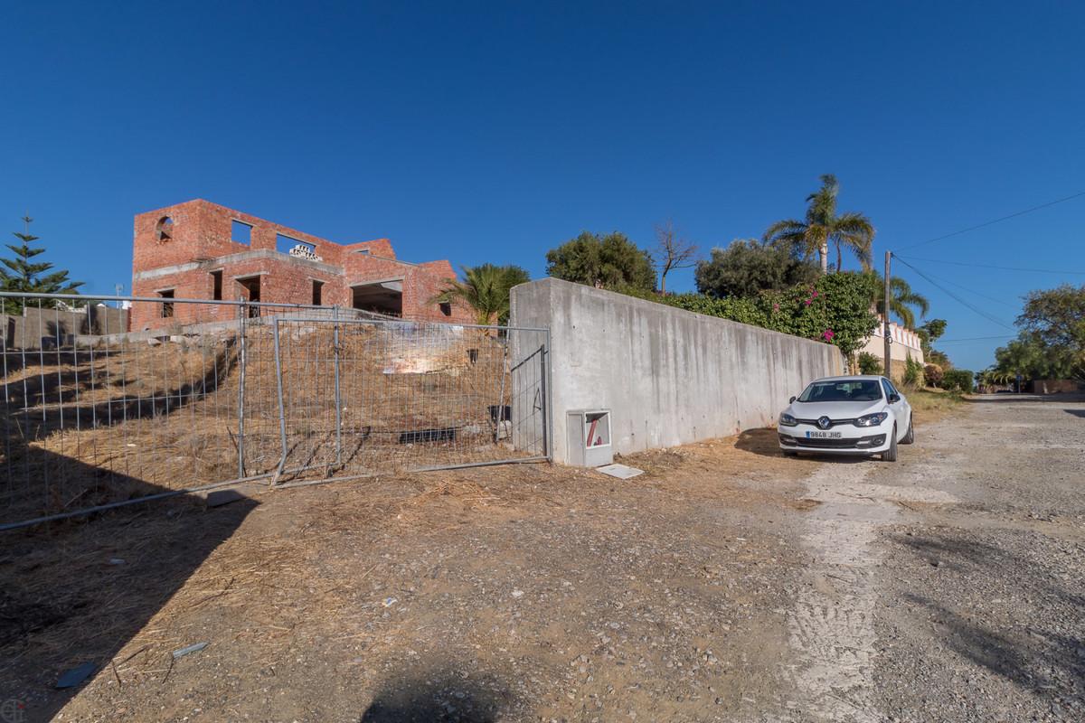 R3732238: Plot - Residential for sale in Estepona