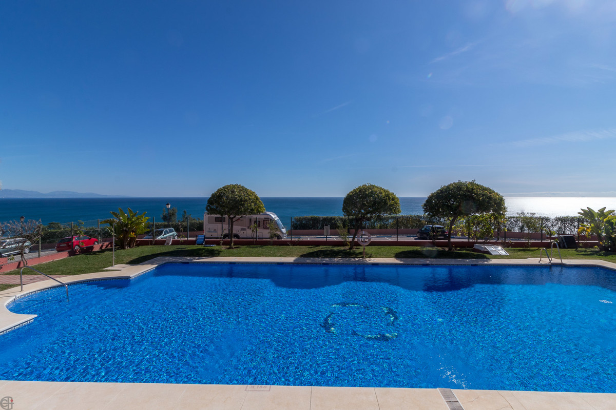 Middle Floor Apartment for sale in Manilva R3896359