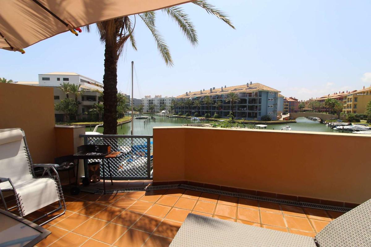 Ref:R3222568 Apartment - Ground Floor For Sale in Sotogrande Marina