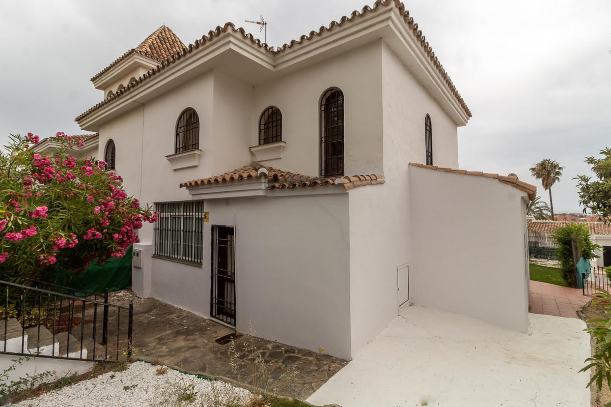 Ref:CR3454963 Townhouse For Sale in La Duquesa
