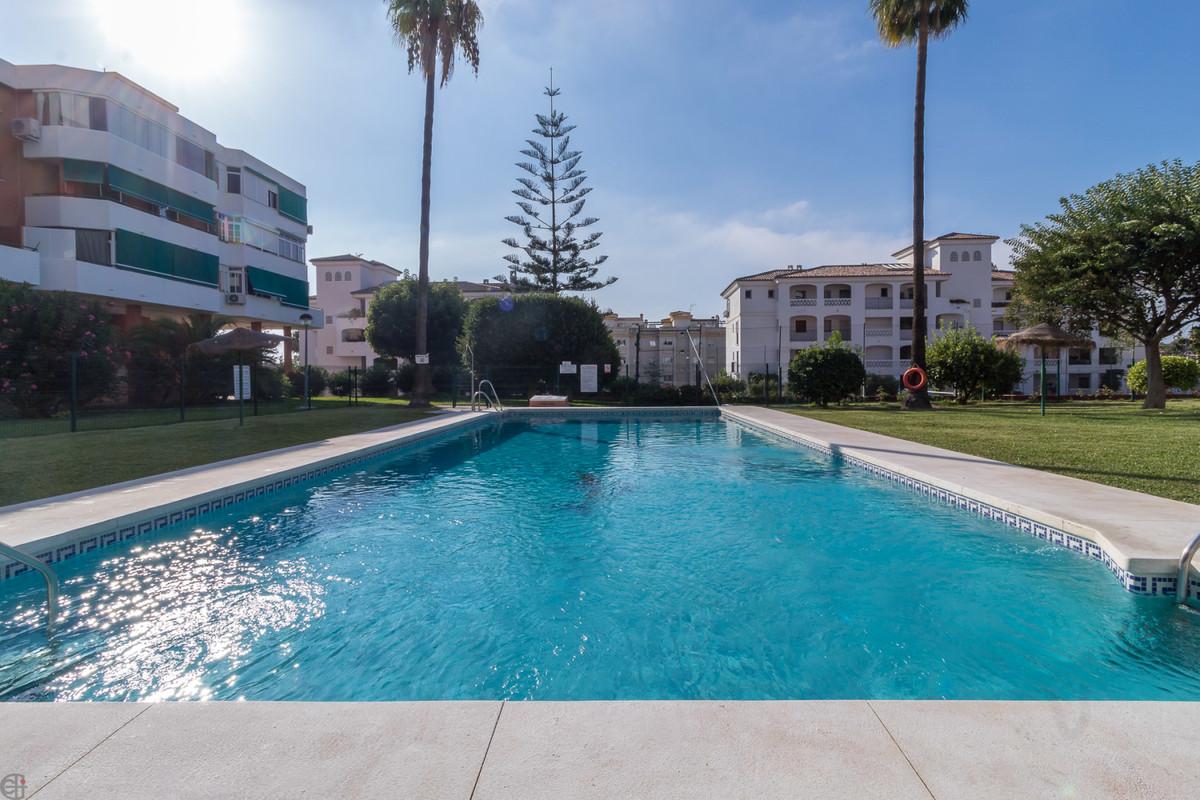 Ref:R3515719 Apartment - Middle Floor For Sale in Torremolinos