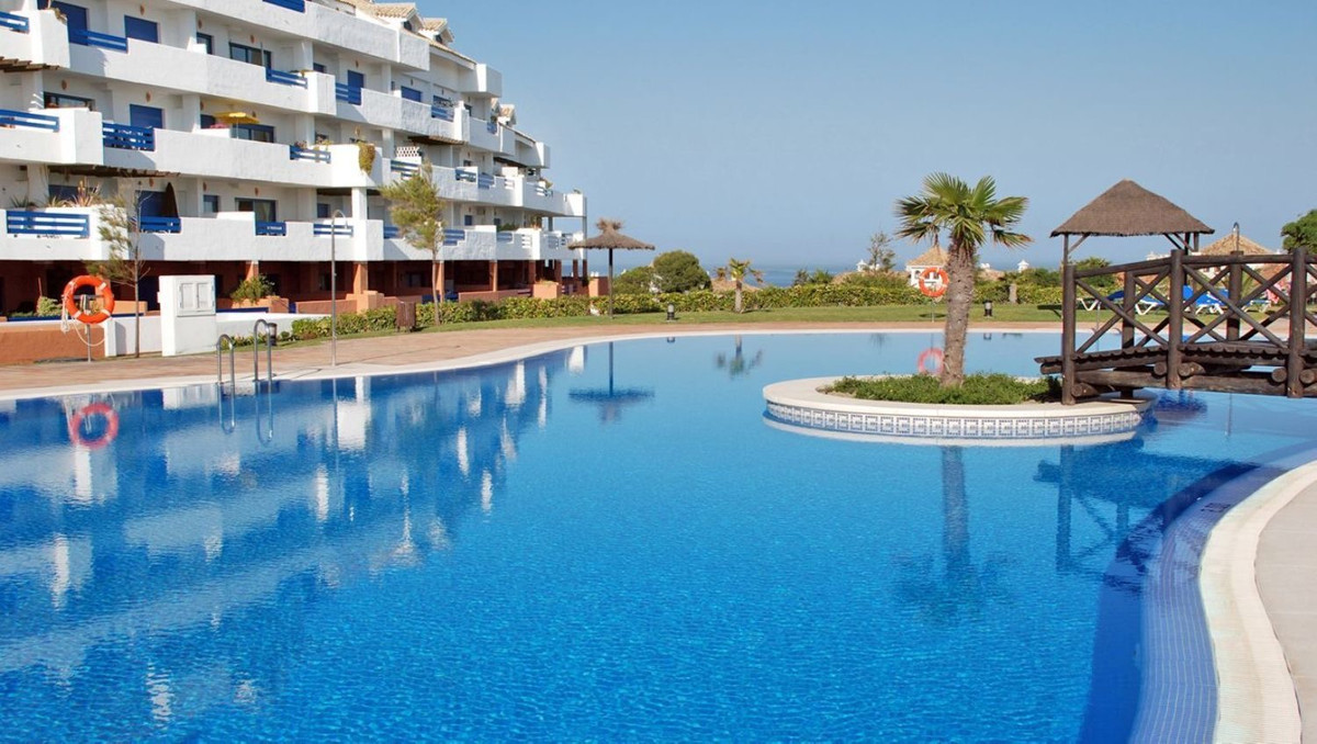 Lovely ground floor apartment with private garden with sea views in La Duquesa.  The apartment  has ,Spain