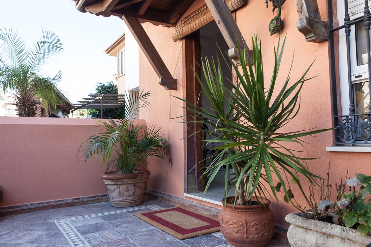 Townhouse, Las Lagunas, Costa del Sol. 3 Bedrooms, 3 Bathrooms, Built 245 m², Terrace 50 m².  Settin,Spain