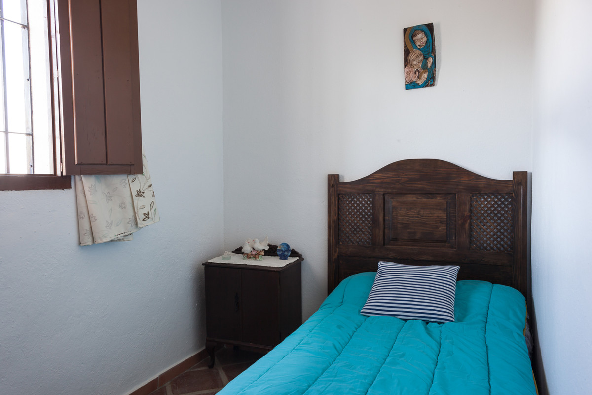 Villa con 5 Dormitorios en Venta Guaro