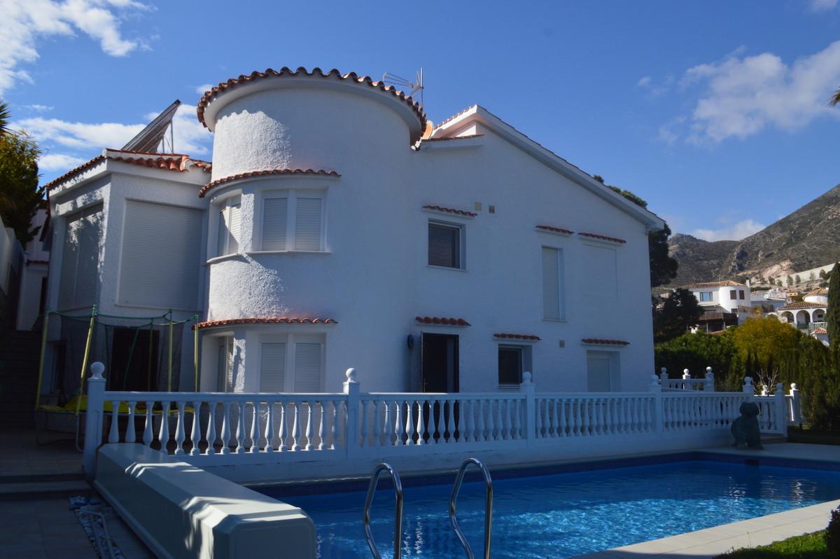 Fritliggende Villa i Benalmadena R3098539