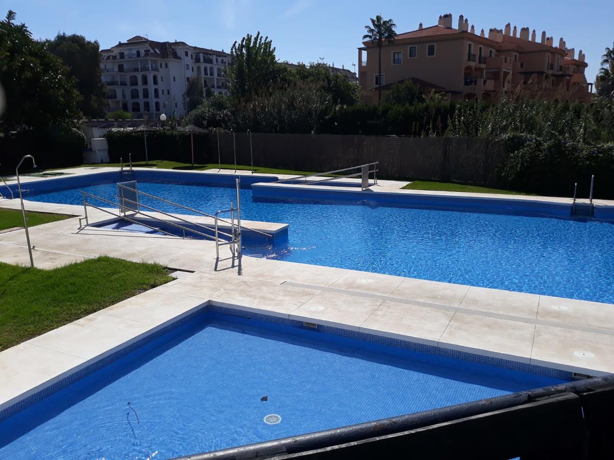 Apartamento Planta Media 1 Dormitorio(s) en Venta Manilva