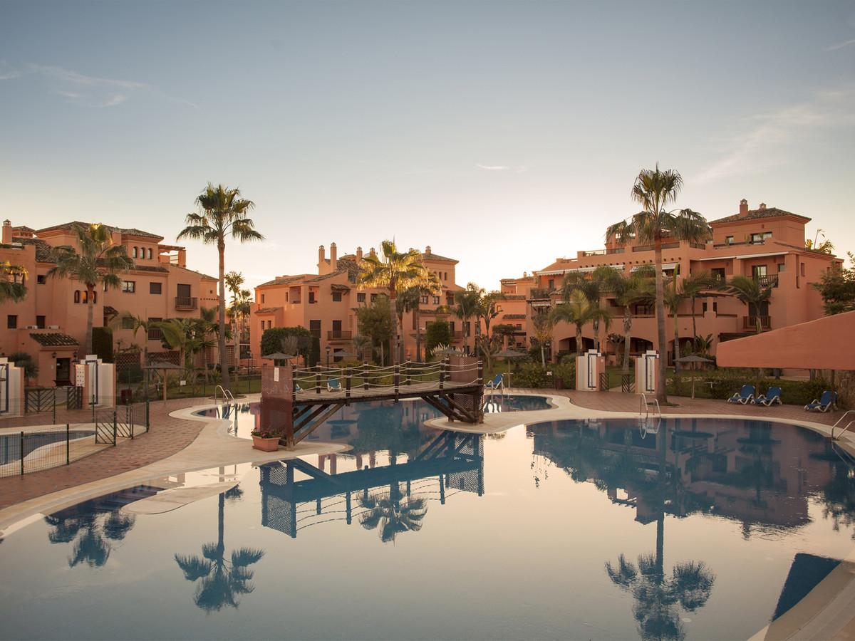 Apartment located in urbanization of Hacienda del Sol, Matas Verdes area in Estepona, near Guadalmin,Spain