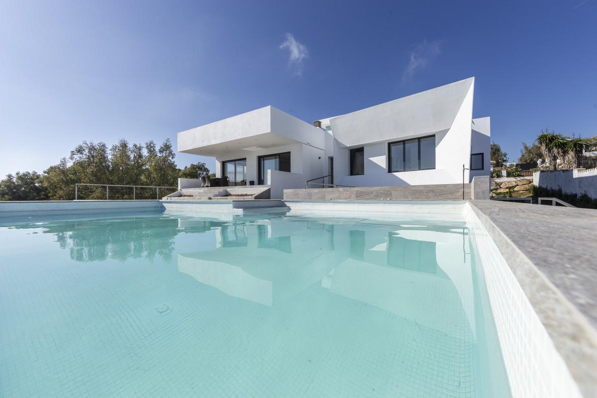 Detached Villa for sale in Manilva R3634889