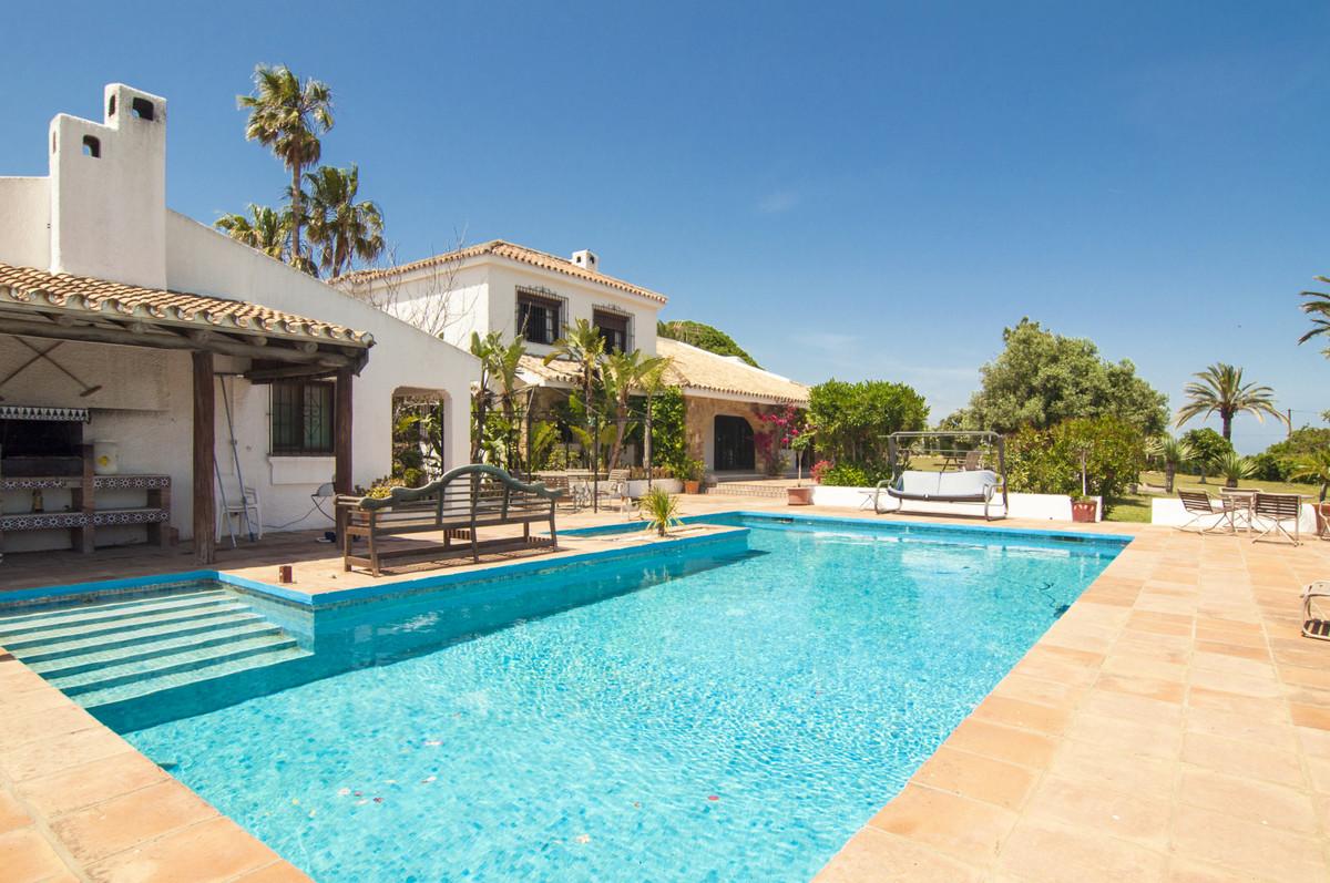 Detached Villa for sale in Manilva R3635192