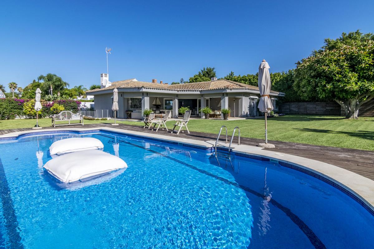 Villa en vente à Guadalmina Baja R3923989