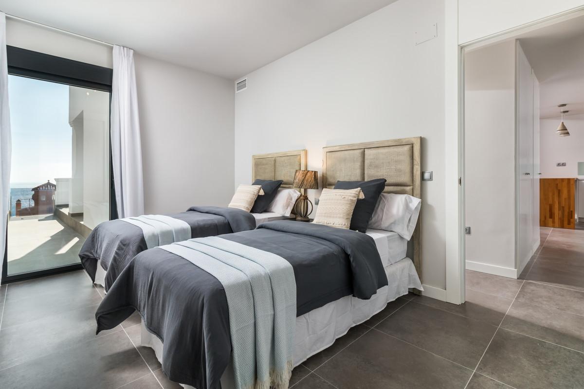 Apartment in Manilva R3386734 10
