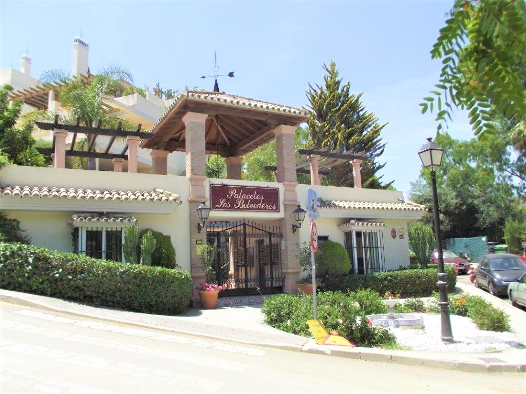A very well presented and comtemporary two bedroom ground floor garden apartment in a peacful and qu,Spain