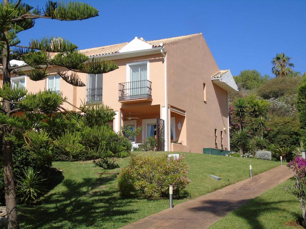 El Paraiso, Benahavis. Superb luxury 3 bedrooms all ensuite, semi detached corner townhouse with a l,Spain