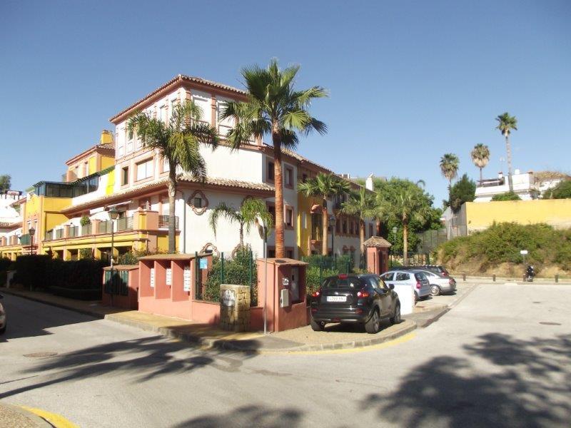 Piso Planta Media en Estepona R3123322