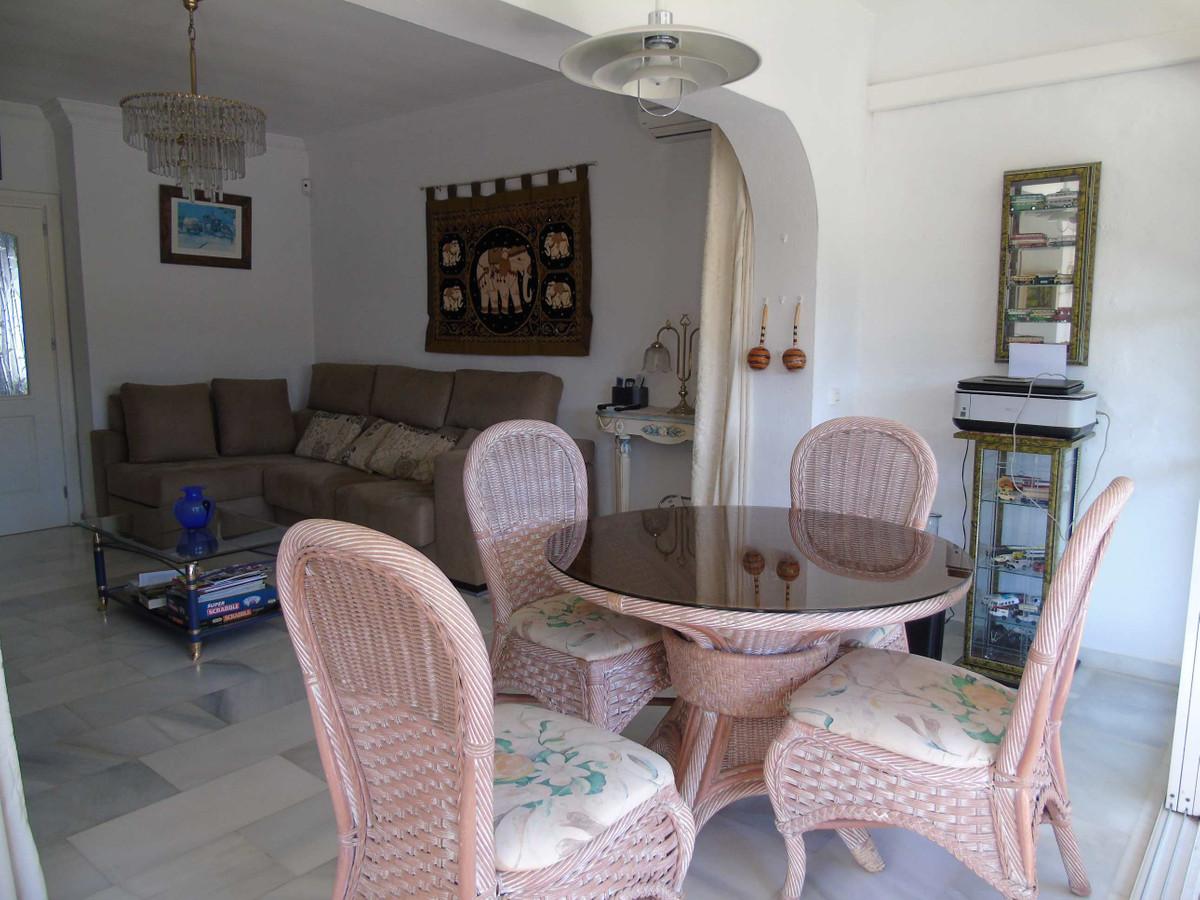Villa con 3 Dormitorios en Venta Atalaya