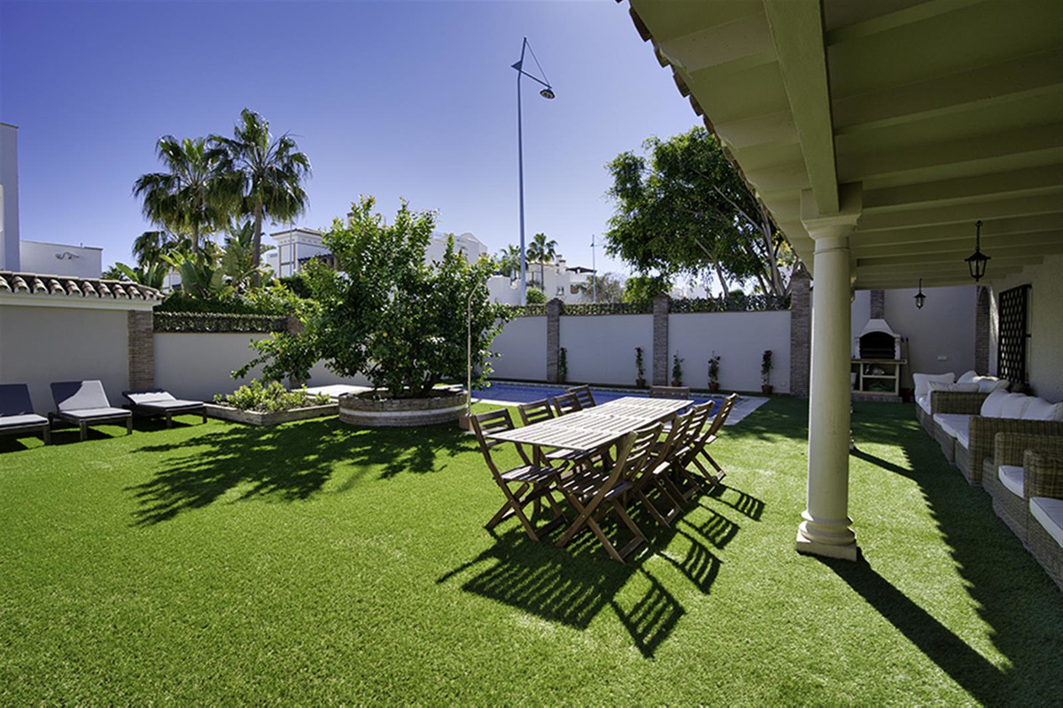 Detached Villa in San Pedro de Alcántara