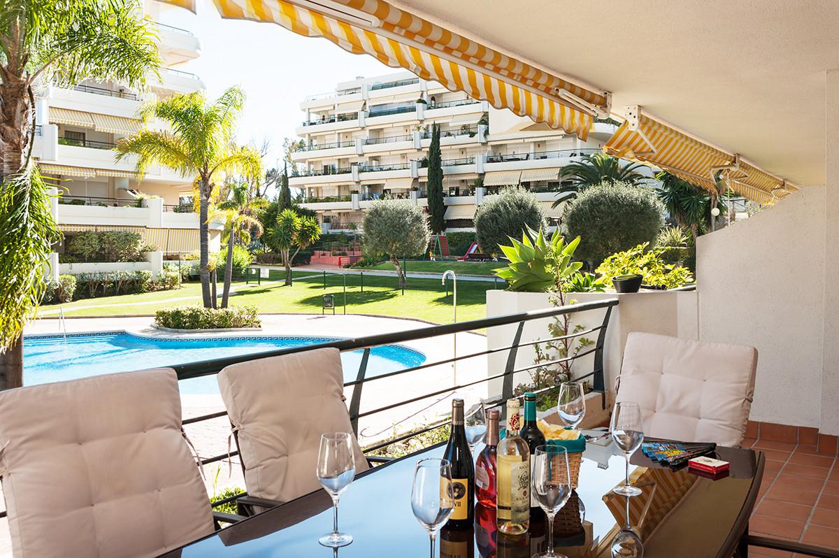 Appartement  Rez-de-chaussée en location  à Guadalmina Alta