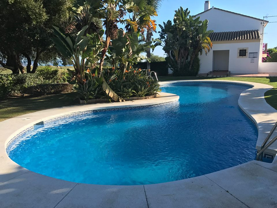 Lovely corner house located in one of the most attractive communities in Alcaidesa with open aspect ,Spain