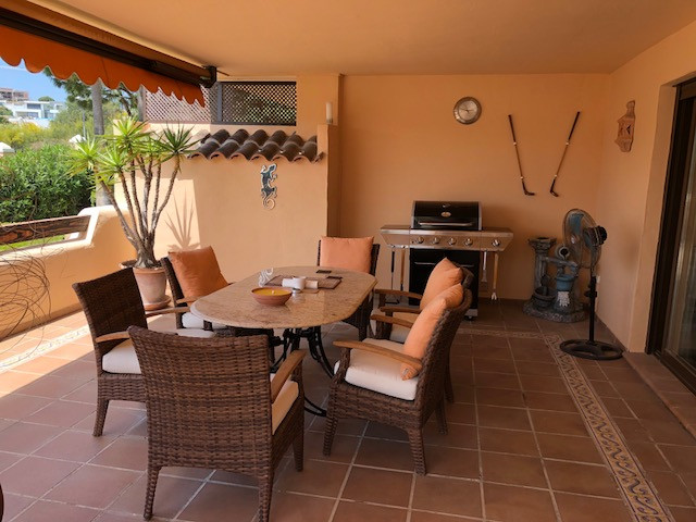 A fantastic West facing ground floor apartment in the up market community of Las Lomas de Conde Luqu,Spain