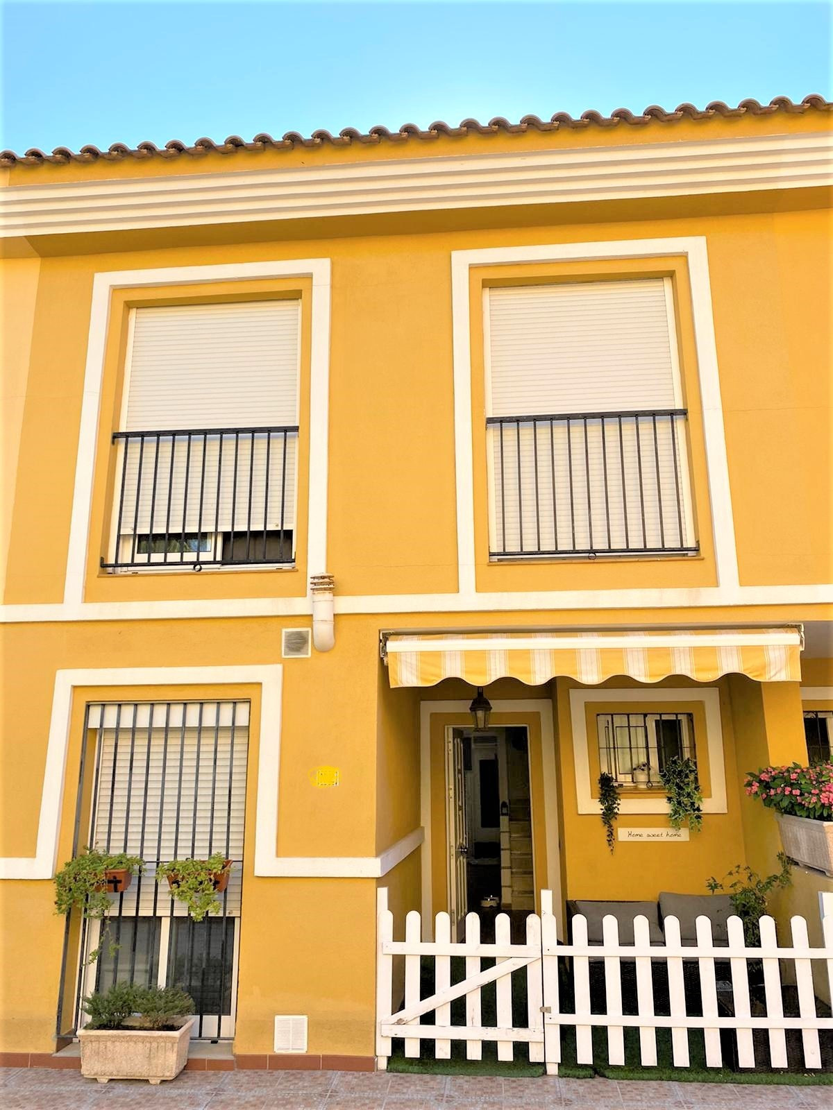 Townhouse, Terraced  for sale    in Las Lagunas