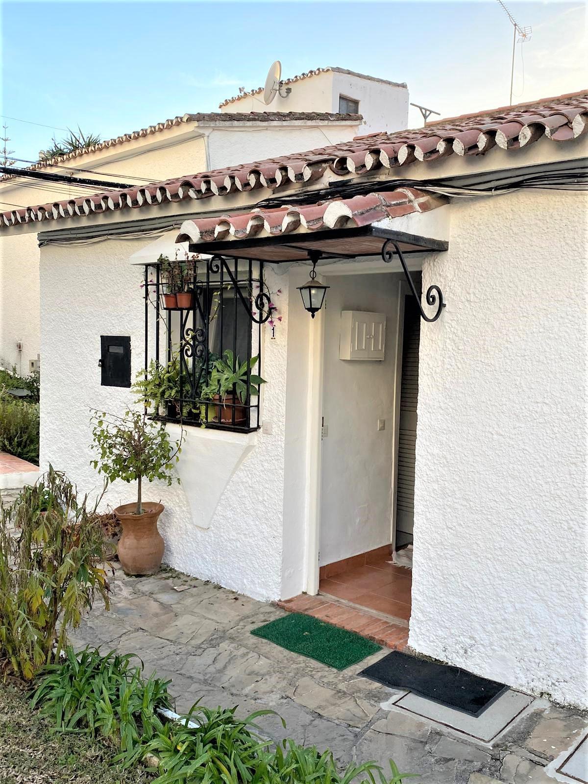Maison Jumelée, Mitoyenne  en vente    à Marbella