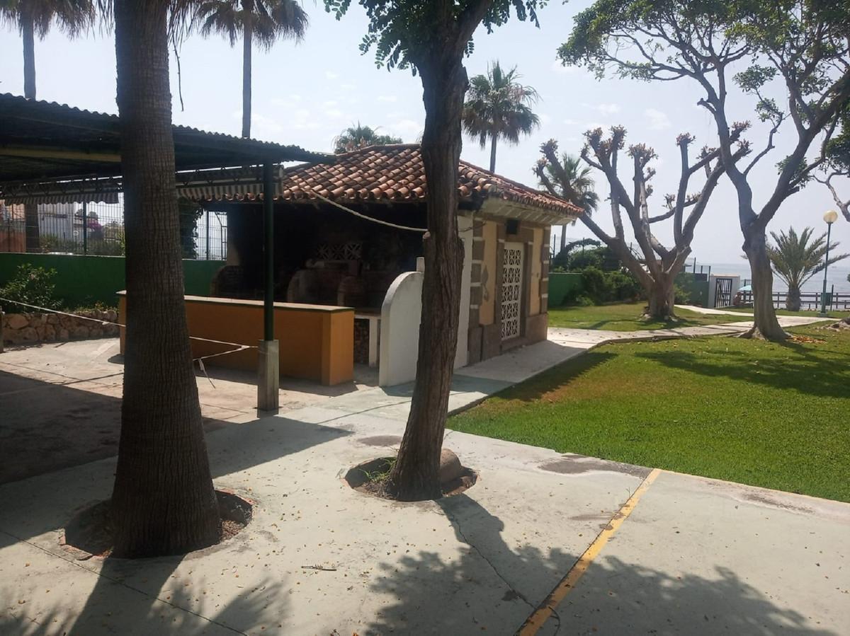 Studio  Middle Floor for sale   in Calahonda