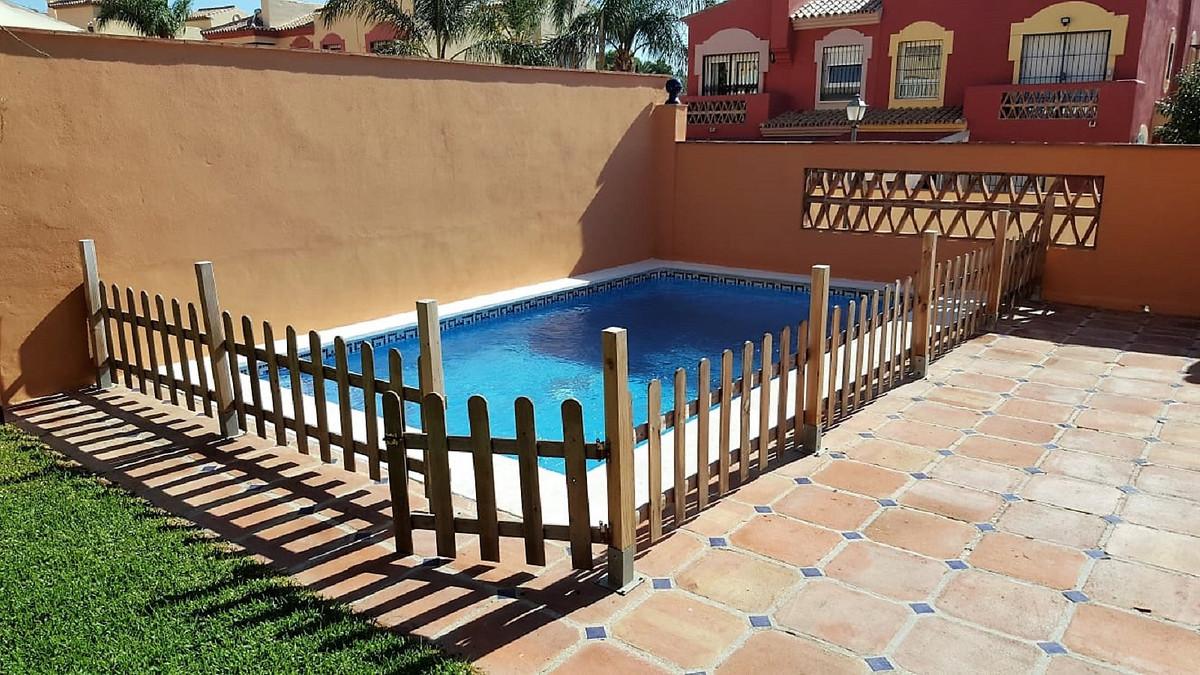 Semi-detached house in Marbella, in Bellavista urbanization, very close to the Marbella arch, 900 me,Spain