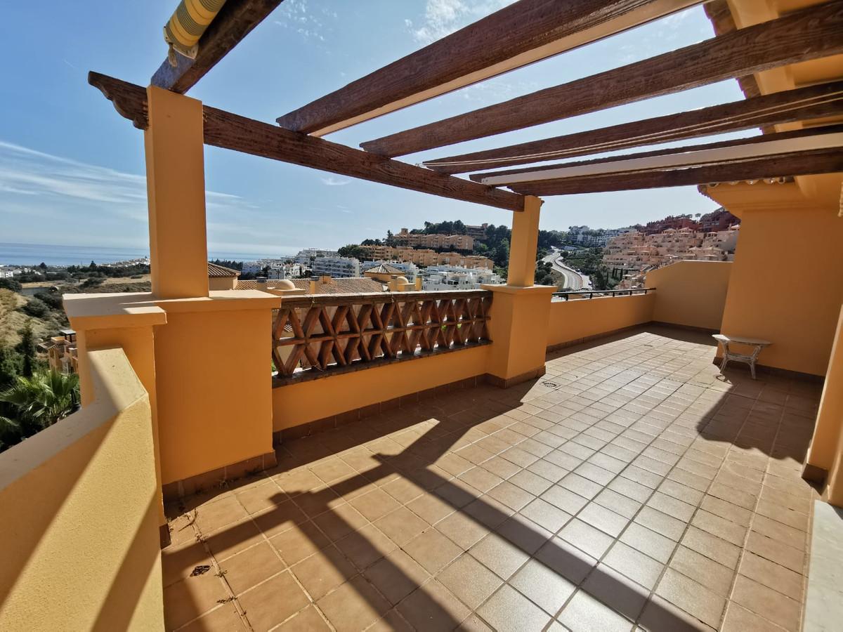 Apartamento 3 Dormitorios en Venta Calahonda