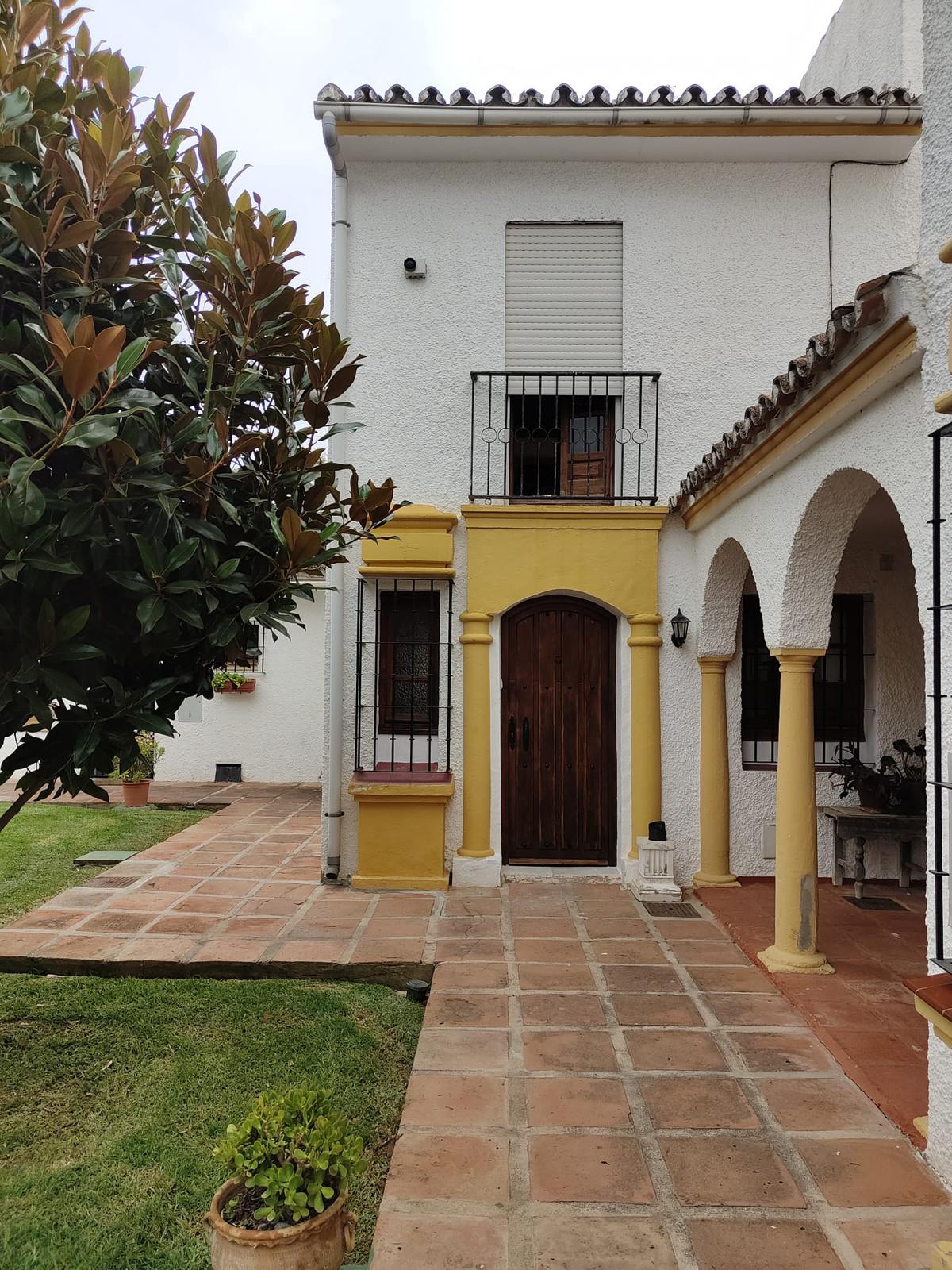 2 Bedroom Townhouse For Sale Elviria, Costa del Sol - HP3908254
