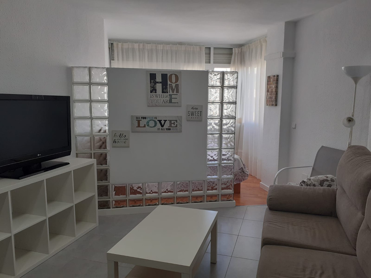Top Floor Studio, Fuengirola, Costa del Sol. Built 40 m².  Setting : Town, Commercial Area, Close To,Spain