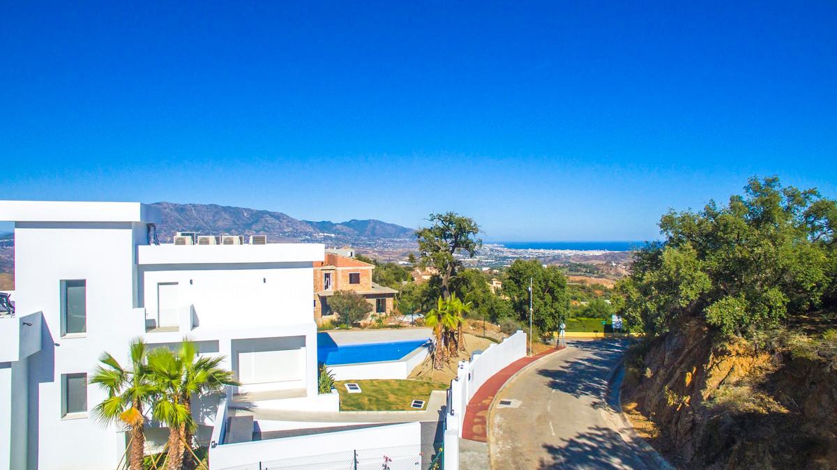 Plot/Land for Sale in La Mairena, Costa del Sol