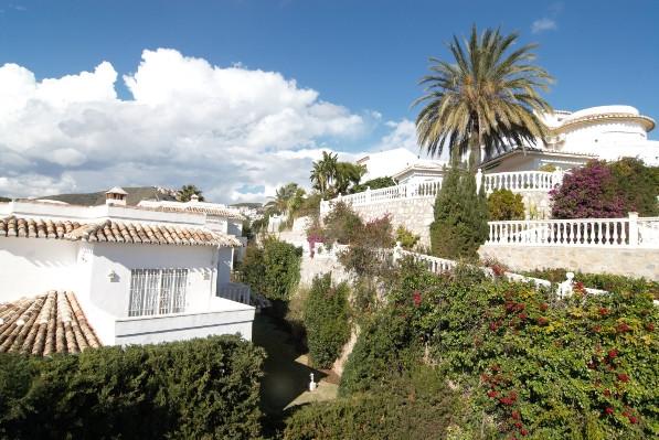 Villa 5 Dormitorios en Venta Calahonda