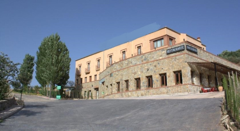 Hotel for sale in Benaoján R2566301