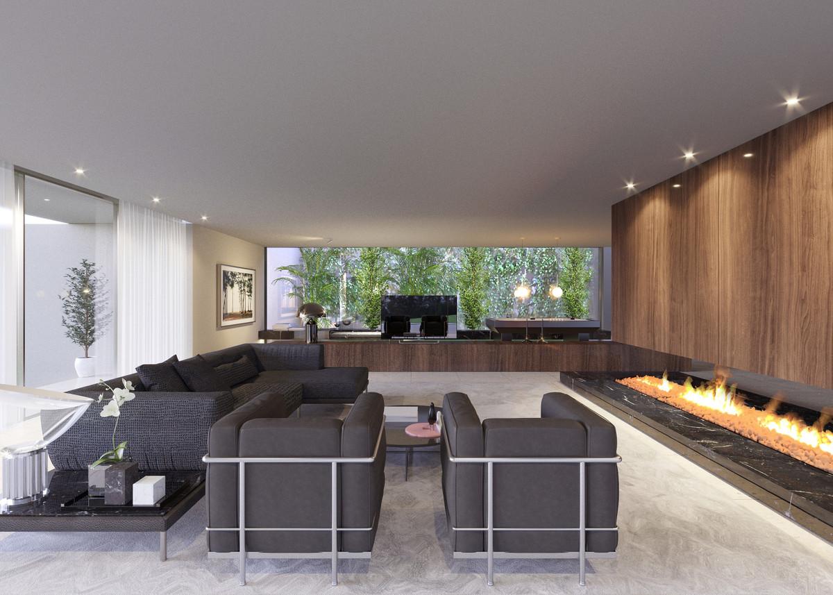 Luxury Gardens en Altos de Valderrama offers a choice Plots for a bespoke luxury villas located in t,Spain