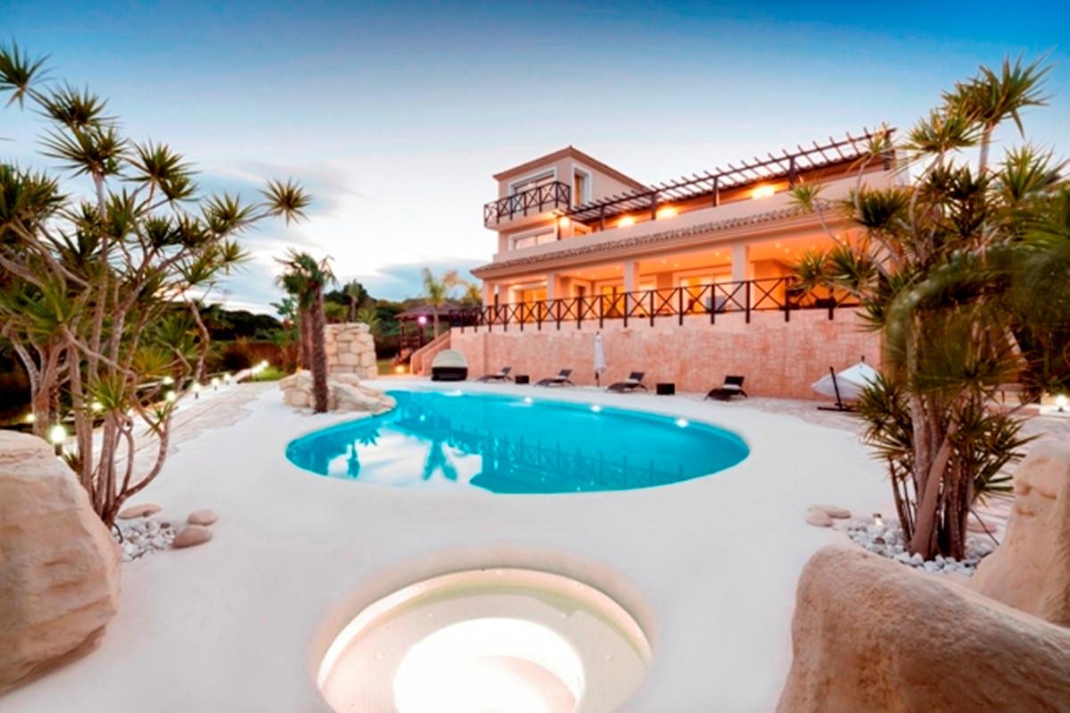 Villa 5 Dormitorios en Venta Sotogrande Alto