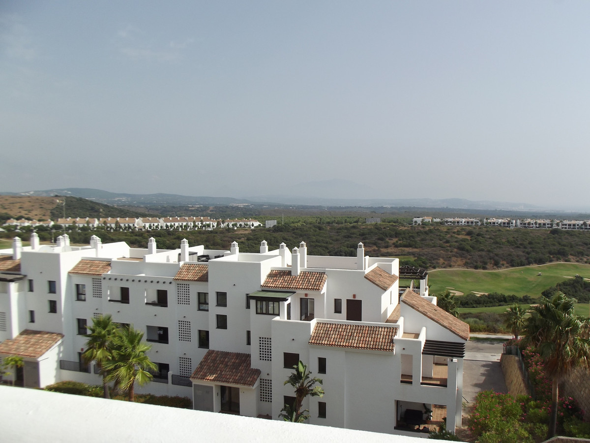 Fantastic Penthouse apartment in La Alcadesa Suites, Panoramic views of the Sea, Mountains, Lake,Gol,Spain