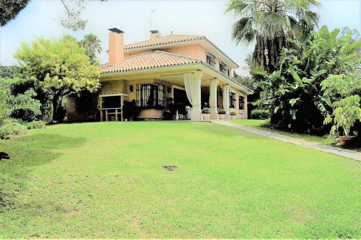 Detached Villa for sale in The Golden Mile R3785182