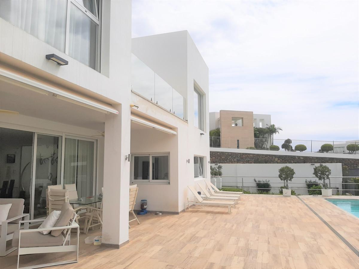Villa con 4 Dormitorios en Venta La Quinta
