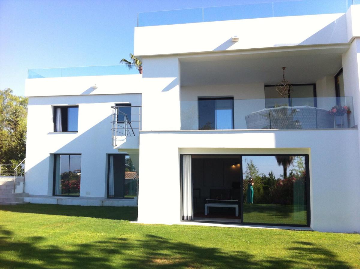 Villa zu verkaufen in Nueva Andalucía R3230107