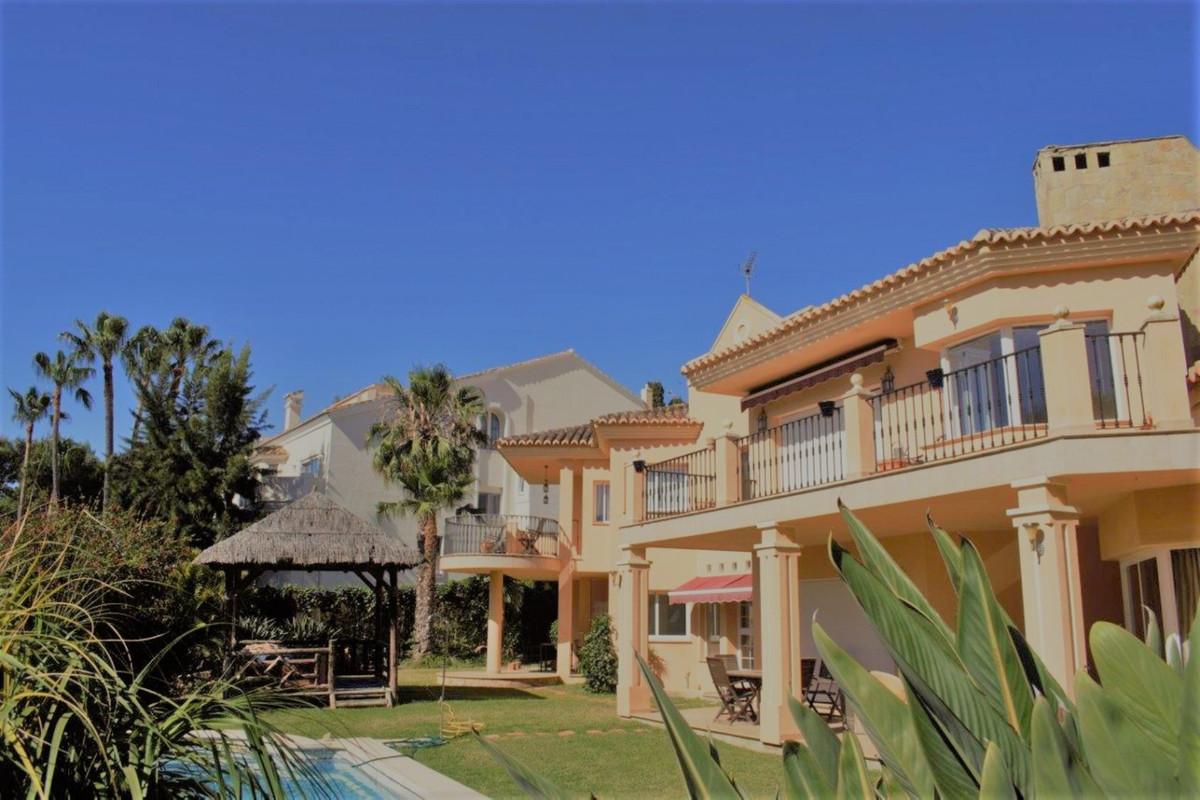 - Detached villa in Las Chapas - Villa with great privacy very bright located in a quiet area a few ,Spain
