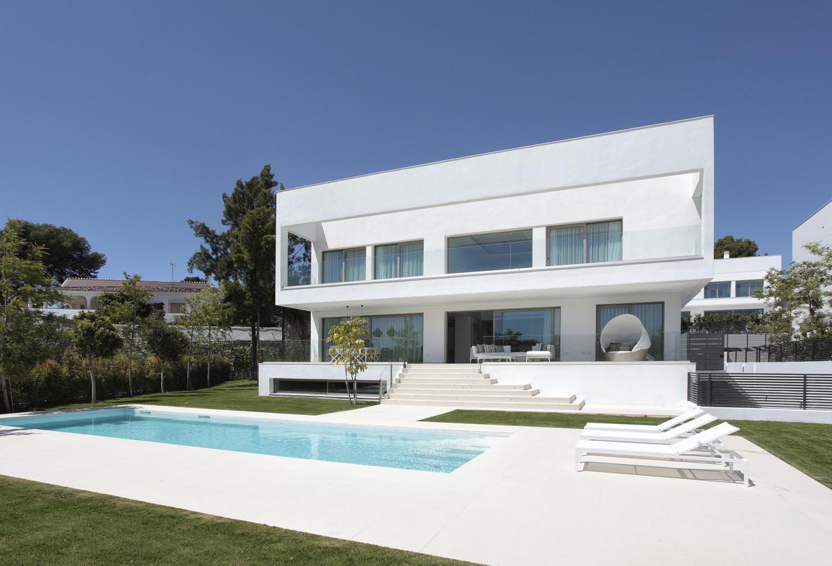Detached Villa for sale in Guadalmina Baja R2853914